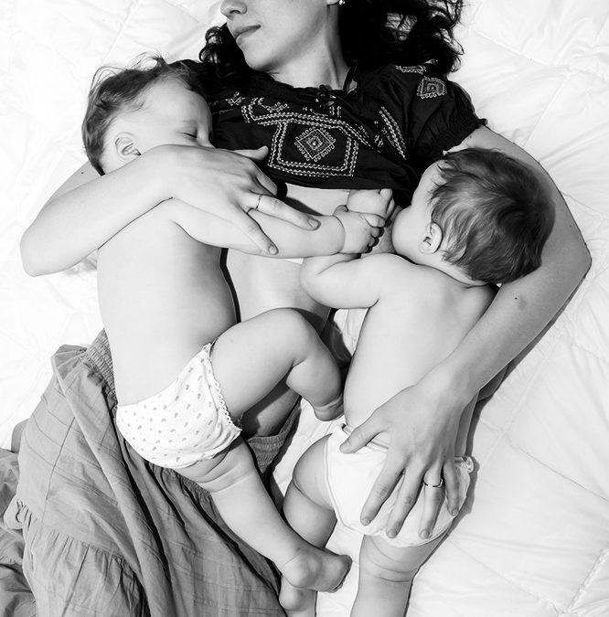 Zo geef je een tweeling borstvoeding
