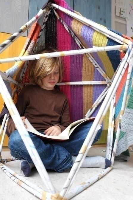 Spelen en huttenbouwen met kranten