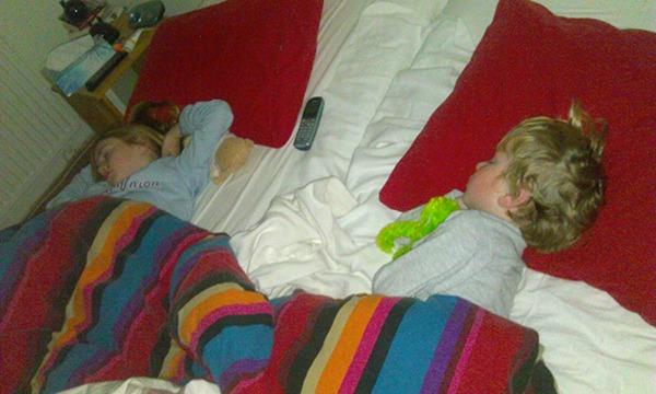 Peuter Groot Bed.De Slaapkamers Van Samenslapers Co Sleeping In Beeld Kiind