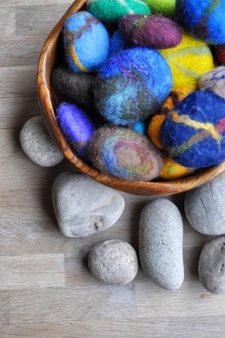 Speelkeien vilten van stenen