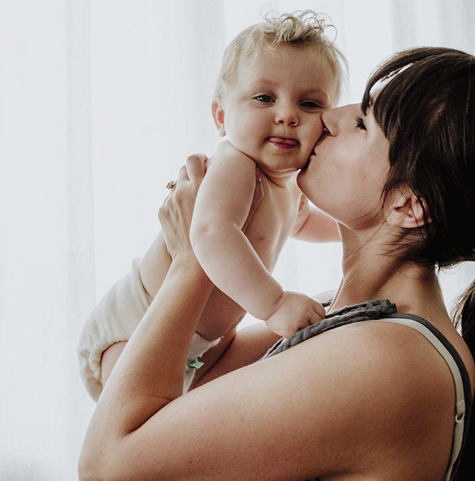 Waarom baby's stil worden als jij loopt (en huilen als je stilzit)