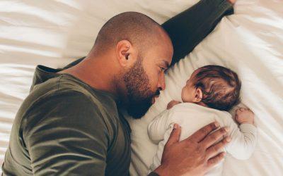 Kan je baby op de buik slapen?