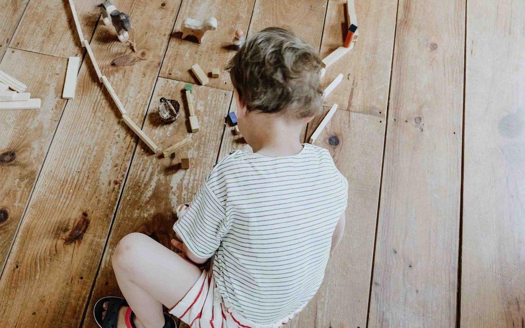 Zo leert je kind (weer) zelfstandig spelen