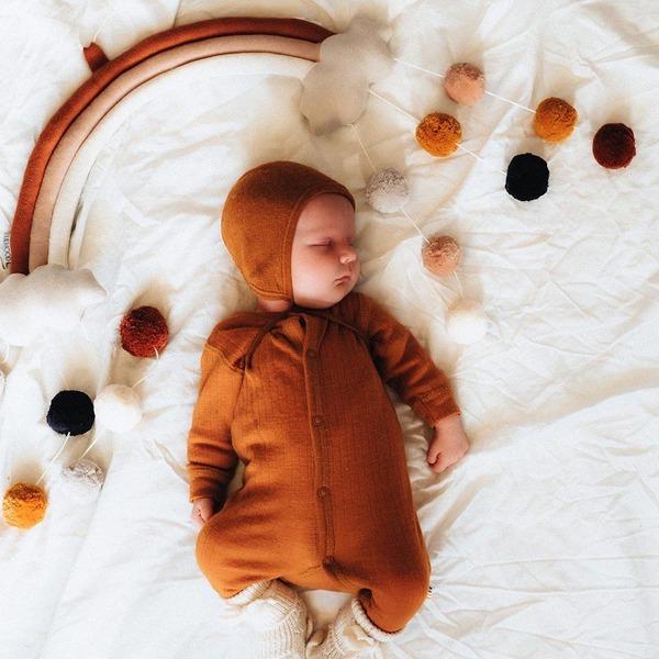 Je baby in eigen bedje – natuurlijk ouderschap op jouw manier